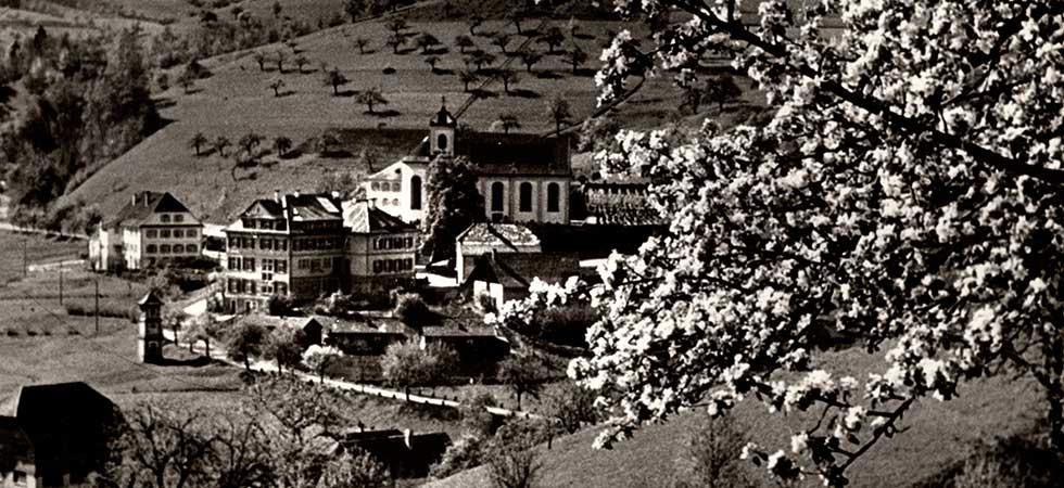 Historische Aussicht auf das Dorf